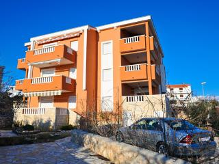 Apartment Jenny 3 for 6 persons on the second floor with great sea view in, Novalja