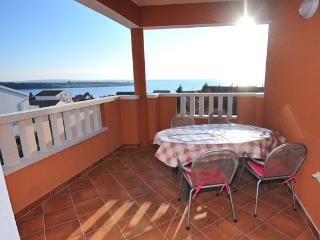 Jenny 2 (4+1 pax) comfortable 2 bedroom apartment, Novalja