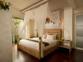 Luxury Romantic Japanese Style Villa in Seminyak