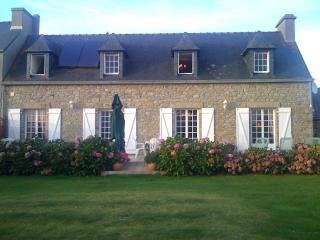 wonderfull farm house in Brittany on the coast, Guisseny
