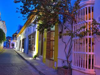 EXTRAORDINARY  RETREAT IN CARTAGENA. CASA KAVA