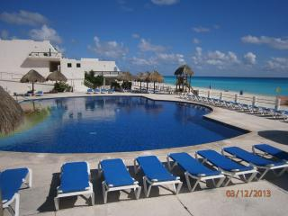 Fabulous Beachfront Villa in Cancun Mexico