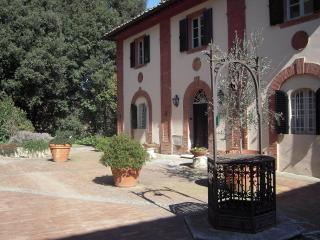 Villa Caprera, Siena Farmhouse. Suite Il Tinaio