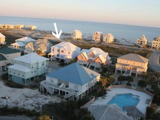 Beach House Has It All! Near Beach, Pool 4BR/4BA, Fort Morgan