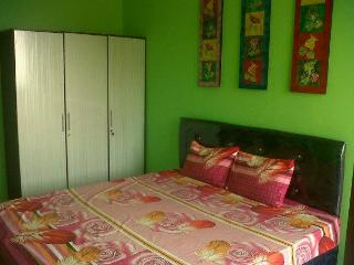 BIG APPARTMENT with 3 BEDROOMS close to 3 MALLS, Jakarta