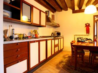 San Polo Apartment for 4 people, Venice