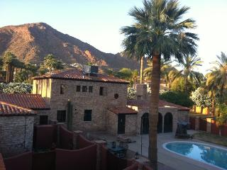 1.6 ACRE ESTATE CAMELBACK MOUNTAIN GUEST VILLA