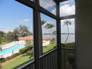 Waterfront Furnished Condo In Bradenton Florida