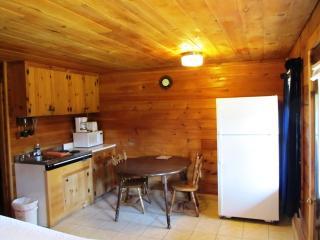 Beautiful Log Cabin Lodge in Pittsburg NH