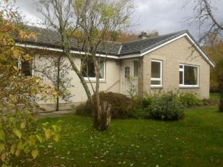 Secluded 4 bedroom bungalow in highland village, Roybridge