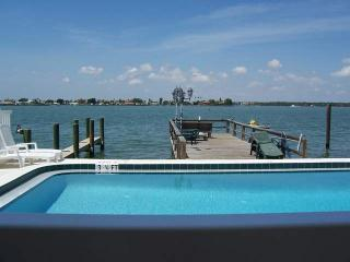 Paradise Lane- Dolphin View on the Intercoastal Water !!