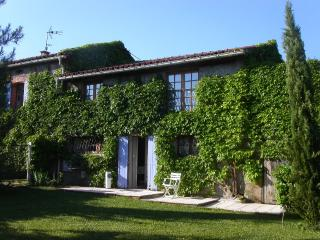 La Bourdette du Ray, Peaceful, bright Rural gite,