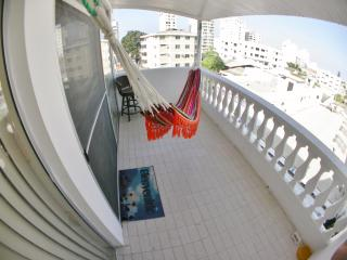 Spacious & Well Ventilated Apartment by the Beach., Salinas