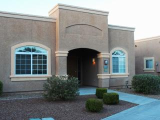Upscale Studio Apartment in a Southwest Resort, Green Valley