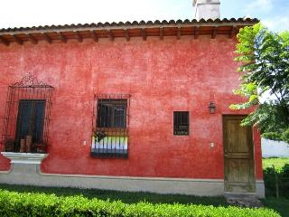 Casa Ocho (P) - Cutest lovely private apartment, Antigua