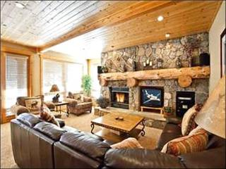 Wonderful Condo for 2 Families - Stone & Timber Finishes (25021), Park City