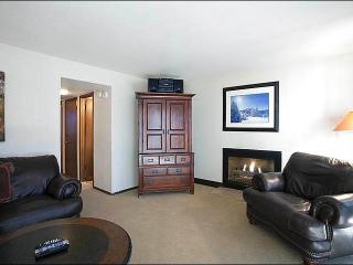 Beautifully Upgraded Condo with Loft - Located on Park Meadows Country Club (25328), Park City