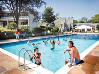 FANTASTIC ACCOMMODATION WITHIN AN AWARD WINNING RESORT & SPA WITH FREE FACILITIE