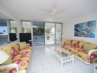 Beautiful Condo - #28 Harbour Heights 7MB, Seven Mile Beach