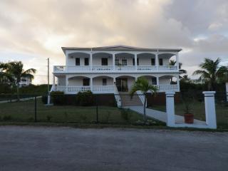 Evadney's Apartments, Anguila
