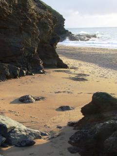 Gunwalloe Cove - 10 minute drive or walk along the coastal path