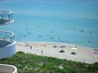Fantastic Beachfront W/view!!, Miami Beach