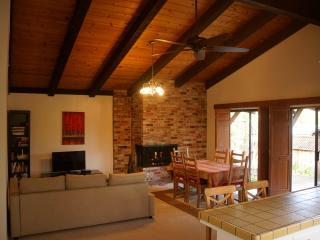 Wine Country Retreat *Kid Friendly*! Spacious!