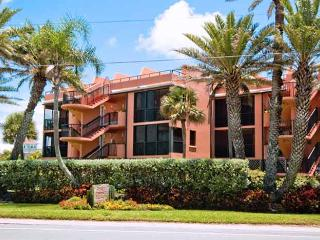 Coquina Moorings 203: 3BR Condo with Perfect Views, Bradenton Beach
