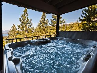 Affordable 180 Degree Lake Views, Hot Tub