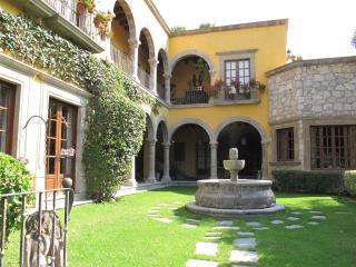 Casa Dorada - Amazing Vacation Rental, San Miguel de Allende