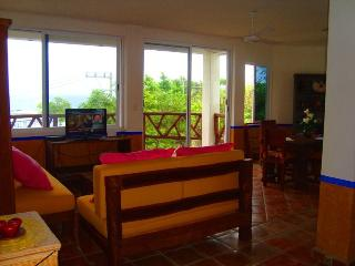 Condo with Jacuzzi and pool Panoramic Sea View, Puerto Morelos