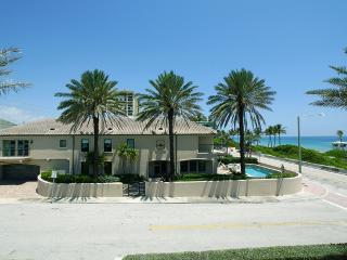 Ocean Elegance- Amazing location, Beach Front!, Fort Lauderdale