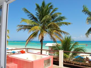 SKYLINE Suite on the Beach, Playa del Carmen