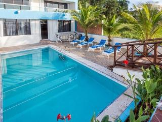 Villa Princesa - 7 Bedrooms, Oceanfront, Bike Path to Town, Cozumel