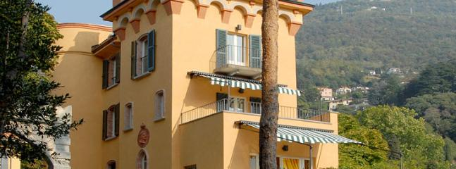 the villa facing the Como lake