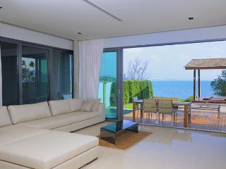 Luxurious Beachfront Villa Phuket