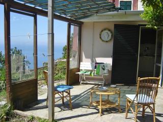 Home Cinque Terre, Vernazza
