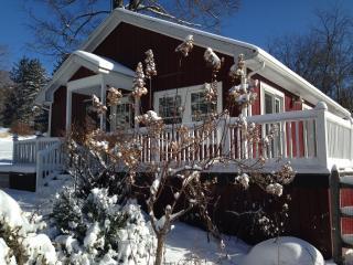 Hudson Valley, NY Cottage  Shop, Hunt, Swim, Relax, Monroe