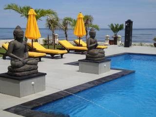 Luxury private 6 bedroom villa directly on the beach of Bali including staff