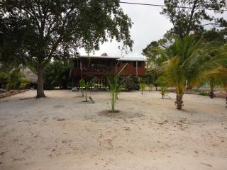 Comfortable wonderful home with lagoon view, Placência