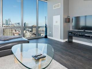 Penthouse LUXURY LOFT 27th FL Amazing A+ City View, Chicago