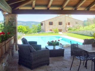 Todi 16 century Country Villa with pool