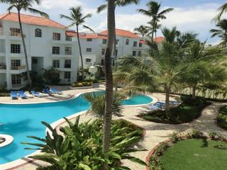 Beautiful 2BR, 2.5BA PH condo w/rooftop terrace, Punta Cana
