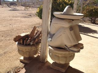Quiet Yucca Valley Rustic Retreat near Joshua Tree