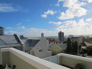 Bright Spacious Sea Point Townhouse w/ Ocean Views, Cape Town Central