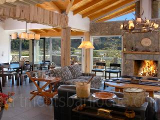 5 Bedroom & 5 en-suite Bathrooms (H12) Lakefront!, San Carlos de Bariloche