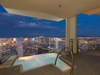 Palms Place Penthouse Floor57 Heated Infinity Pool