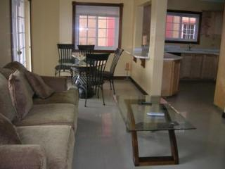 Golden Triangle Vacation Accommodation, Kingston