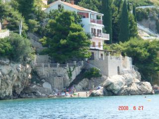 Beach Villa apartament near Split A3 (2+1), Pisak