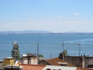 Downtown Alfama RIVER VIEW, 5 room 3 Wc, Lissabon